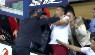 Ha pasado en China: el entrenador de Lance Stephenson, expulsado… por defenderle