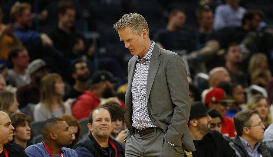 La NBA multa a Steve Kerr tras su expulsión durante el encuentro ante Sacramento (Vídeo)