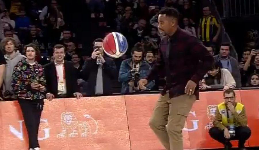 Robinho, protagonista en un concurso de mates… ¡en Turquía!