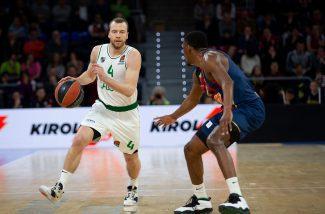 El Baskonia no reacciona, cae en casa y se aleja de los Playoffs de la Euroliga