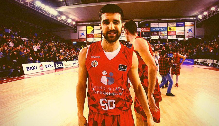 Aleksandar Cvetkovic celebra su renovación con el mejor partido ACB de su carrera