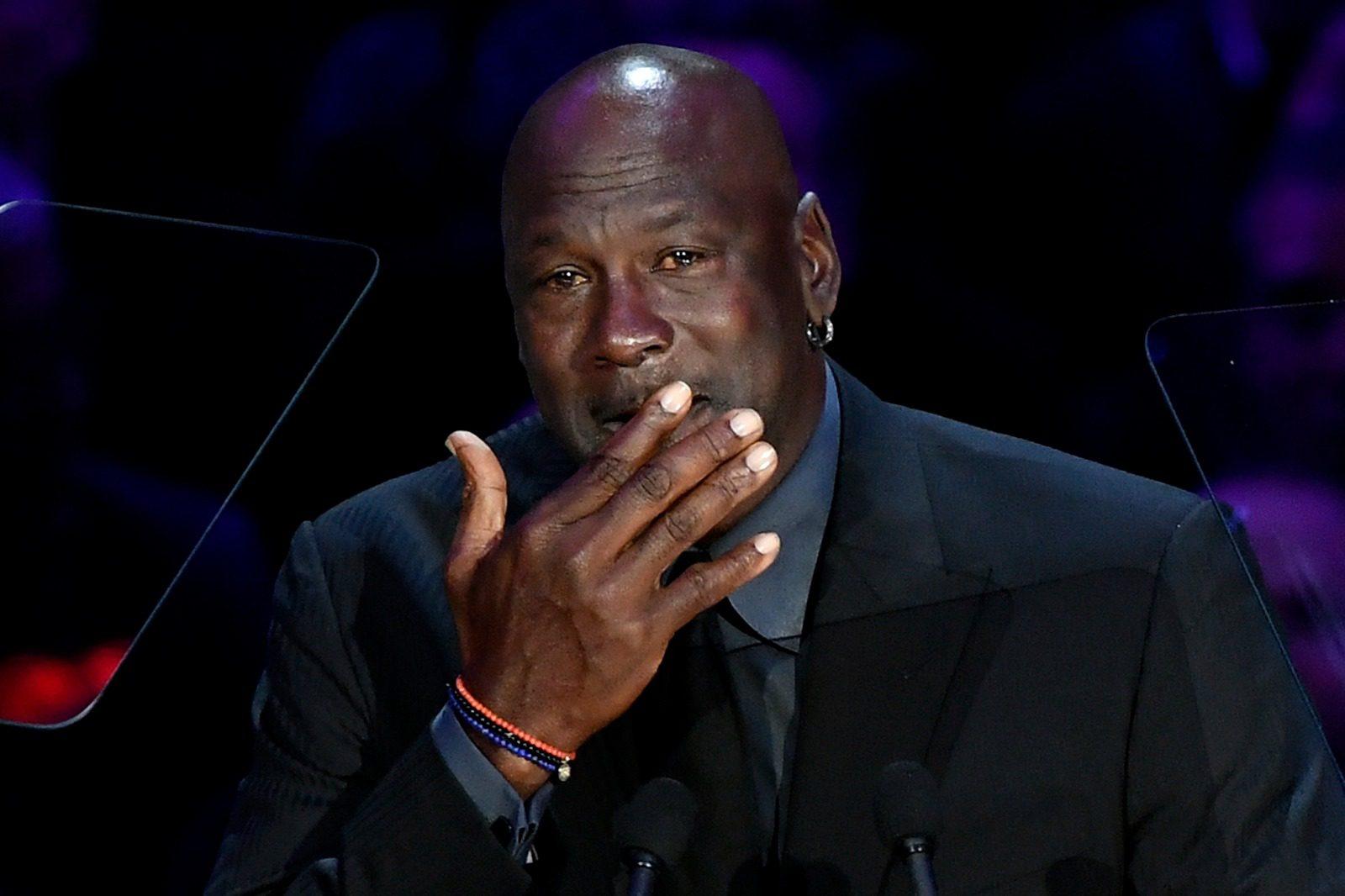 Un emocionado Jordan saca una sonrisa a todos en la ceremonia de Kobe y Gigi (Vídeo)