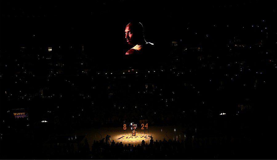 El gran homenaje en el Staples Center tras el fallecimiento de Kobe (Vídeo)