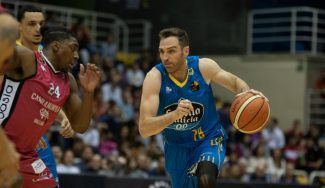 Txemi Urtasun vuelve a sentir el baloncesto siete meses después (Vídeo)