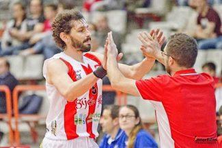 La historia de un ex ACB que sigue jugando a sus 44 años y ahora será también… ¡director deportivo!