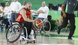 Jordi Ruiz, estrella del baloncesto en silla de ruedas, da su visión sobre la situación mundial desde Italia
