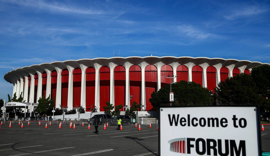 Los Clippers compran un templo de los Lakers. ¿Qué repercusión tiene?