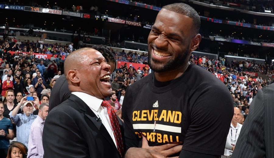'Doc' Rivers compara a LeBron James con Michael Jordan para ensalzarle
