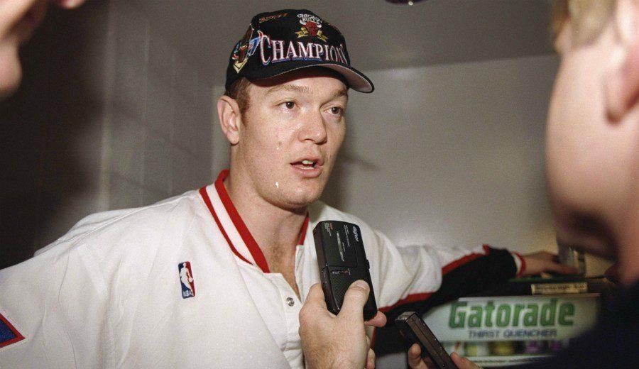 Hizo historia desde Australia y ganó varios anillos con Jordan: recordamos a Luc Longley