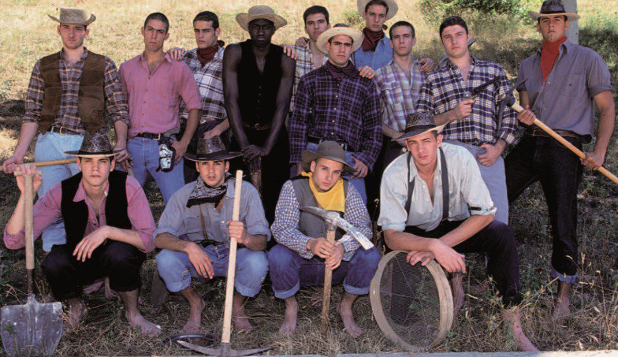 El albor de un genio sereno: Intrahistoria de la famosa foto de los buscadores de Oro