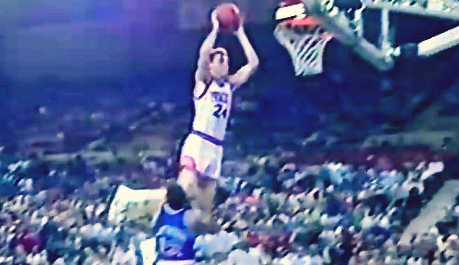 Recuerdo a uno de los mates más salvajes de la historia NBA: el vuelo de Tom Chambers (VÍDEO)