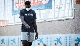 Usman Garuba impresiona en el Campus Gigantes de Madrid: todo sobre su visita