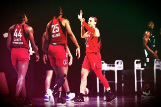 Allen Iverson era su ídolo y Jason Terry su padrino: el histórico inicio de Chennedy Carter en la WNBA
