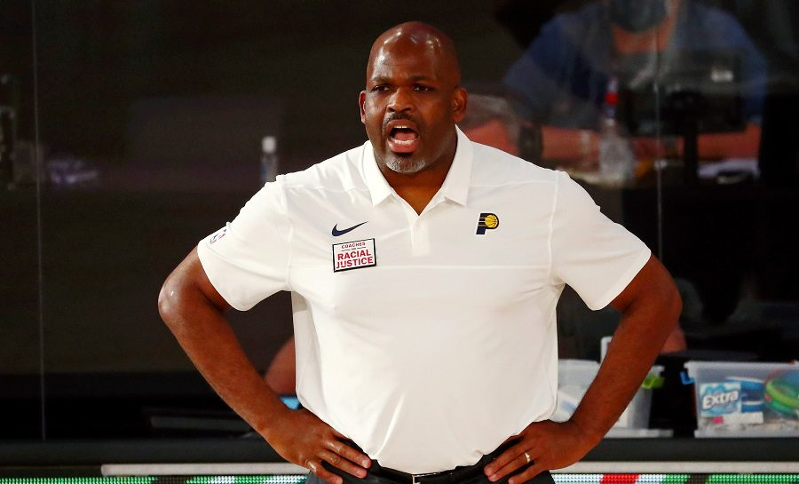 Renuevan a su entrenador para despedirle dos semanas después. El comunicado de Pacers…