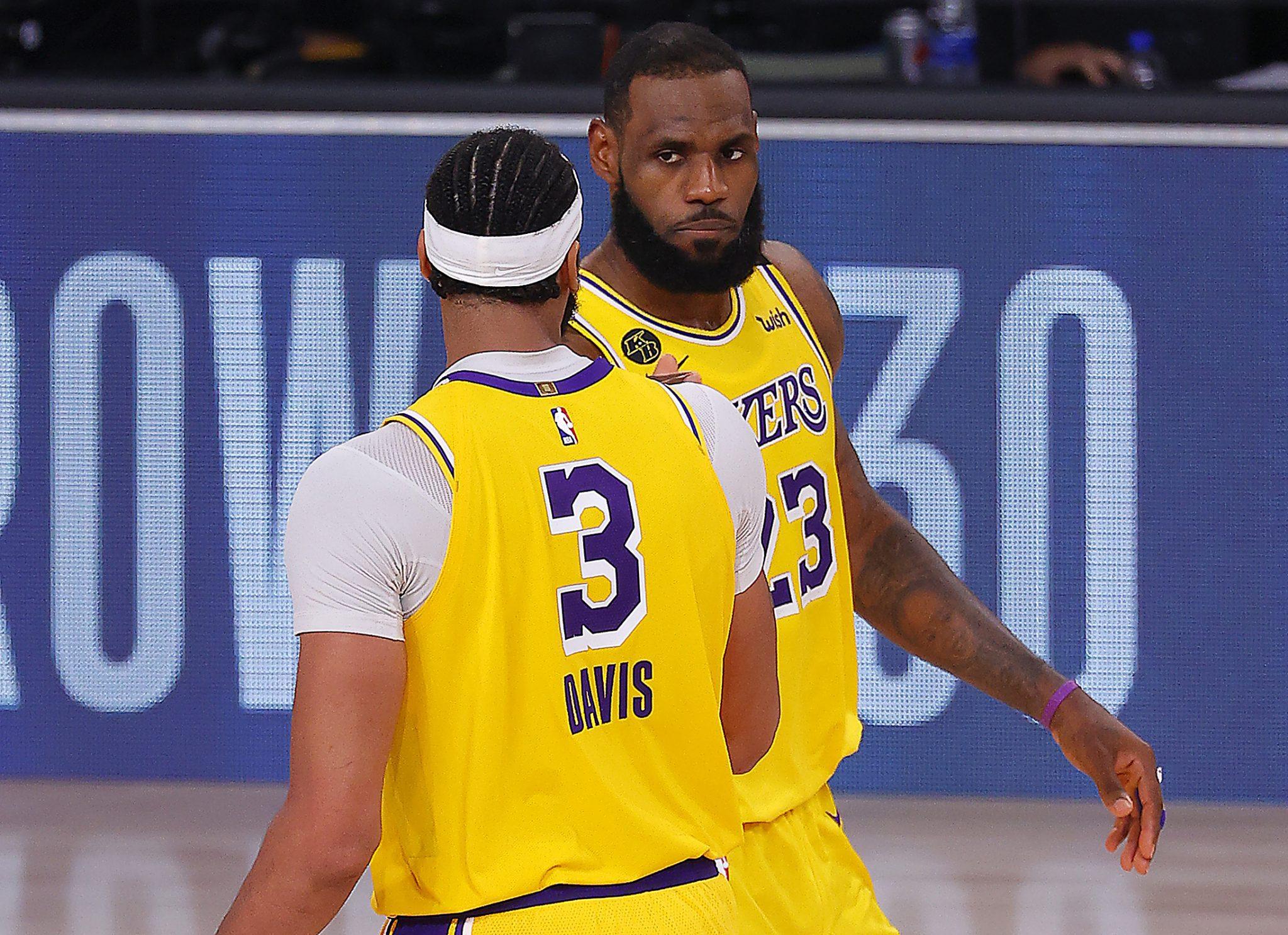 LeBron James y Anthony Davis colocan a una victoria de la Final a los Lakers (Vídeo)