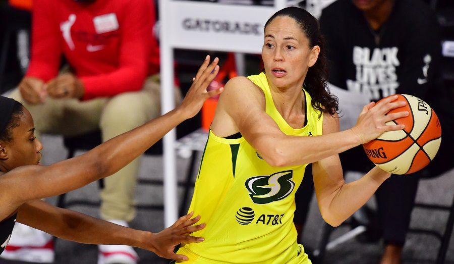 Breanna Stewart domina y Sue Bird hace historia: Las Seattle Storm se adelantan en las Finales WNBA