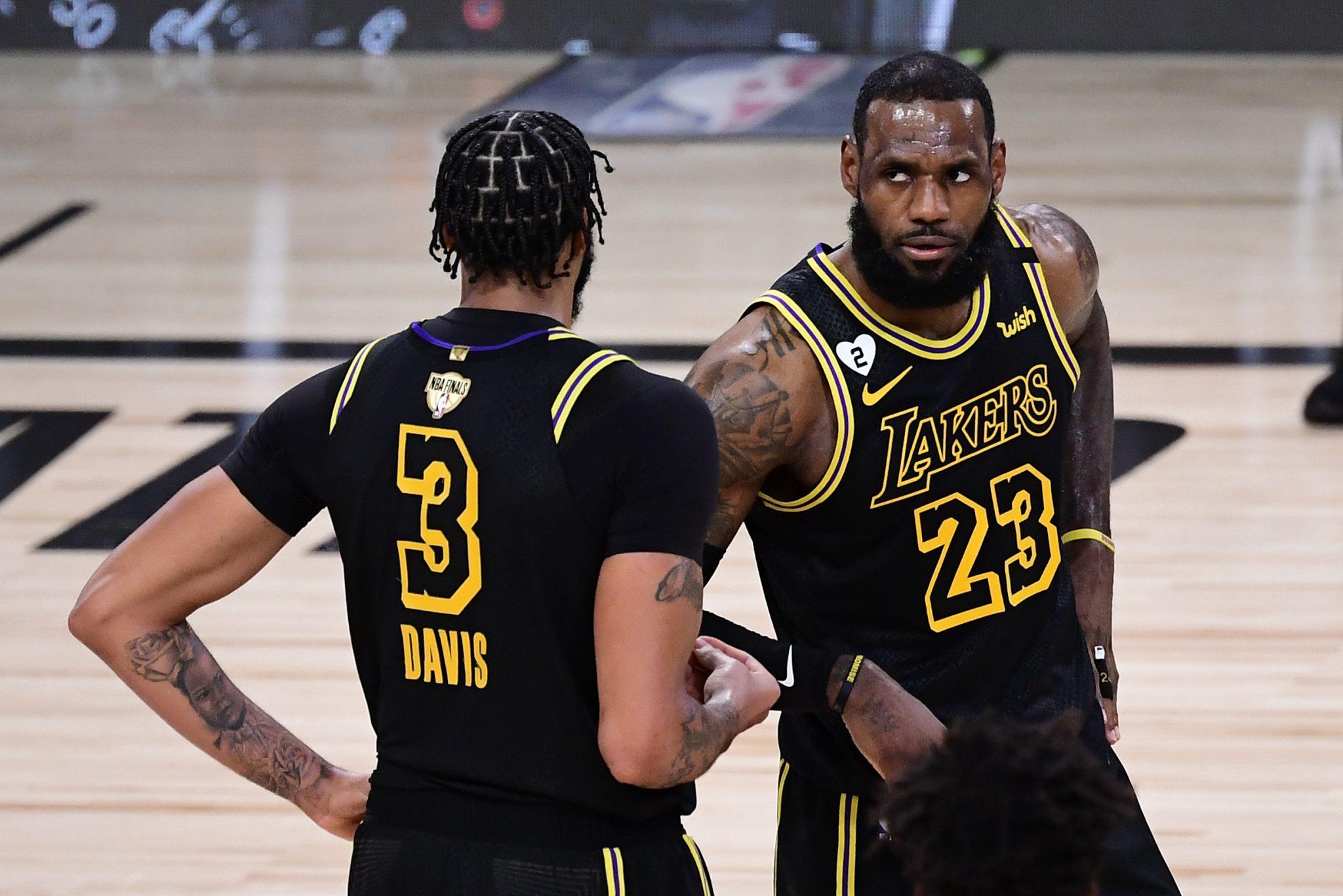 Davis y LeBron no perdonan: Los Lakers se ponen 2-0 en las Finales NBA ante los Heat (Vídeo)