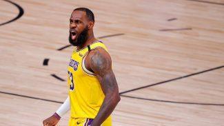 LeBron James amplía su contrato con los Lakers. Claves de este movimiento