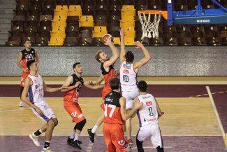La canasta sobre la bocina del Basket León para tumbar al líder de su conferencia (Vídeo)