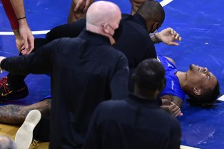 Cuando la mala suerte te persigue: Markelle Fultz, número 1 del Draft, dice adiós a la temporada