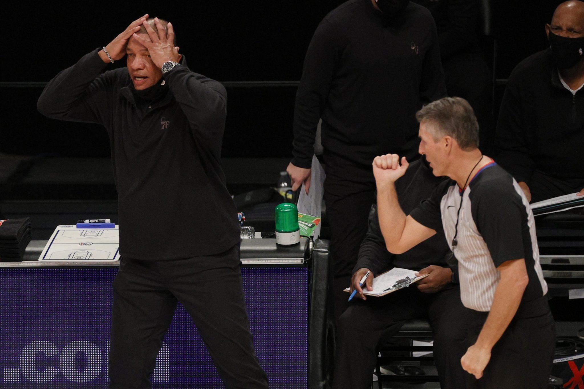 Los Sixers jugaron con solo 7 jugadores. Te explicamos la situación y el protocolo