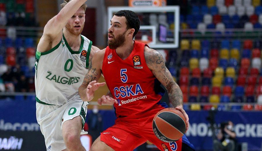 El CSKA termina con el culebrón Mike James: se queda en el equipo tras estar apartado