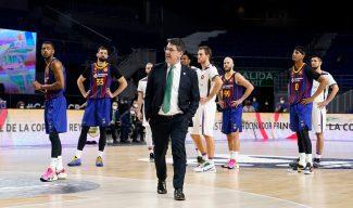 Katsikaris habla tras la derrota: «En la jugada de la canasta de Abromaitis hay una falta clarísima»