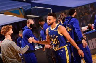 ¿Cansado? El mensaje de Stephen Curry en una noche histórica con los Warriors pero con derrota
