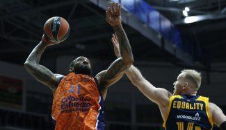 El show de Derrick Williams lidera al Valencia Basket en la victoria ante el Khimki