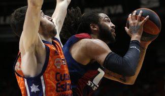 Valencia Basket golpea primero ante Baskonia en un final apretado (Vídeo)