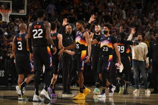 Los Suns colocan el 1-0 tras una gran segunda parte. Chris Paul, determinante