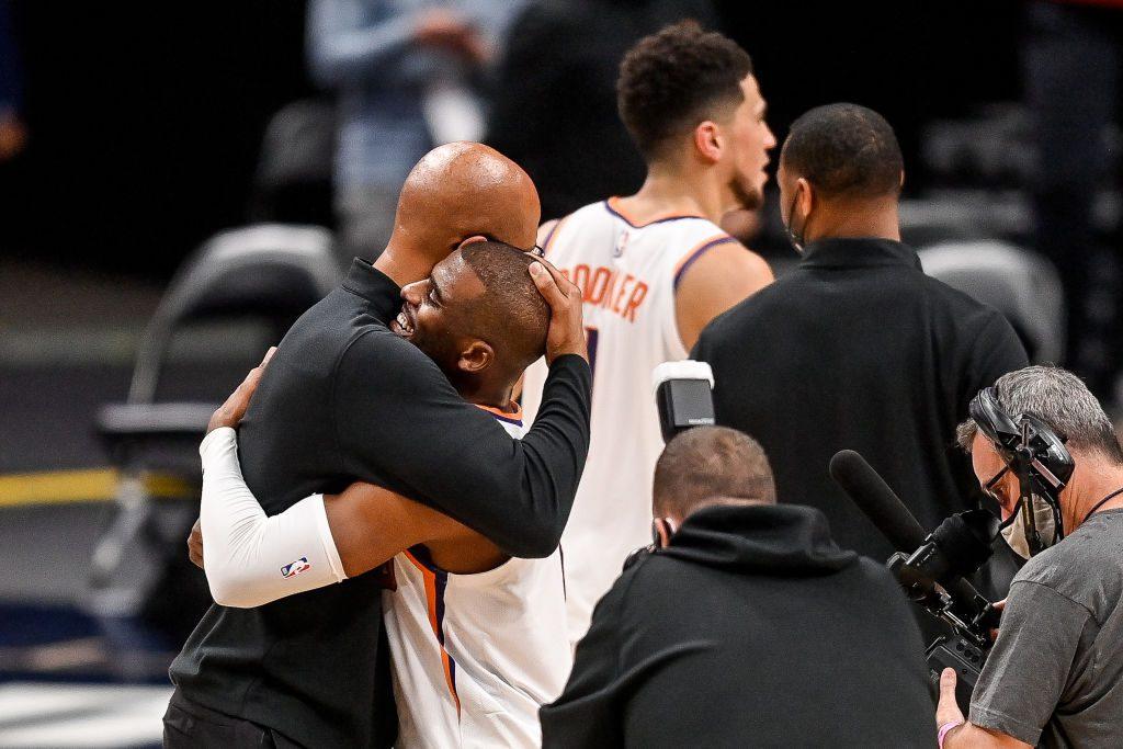 Los Suns barren a los Nuggets y vuelven a una Final de Conferencia 11 años después