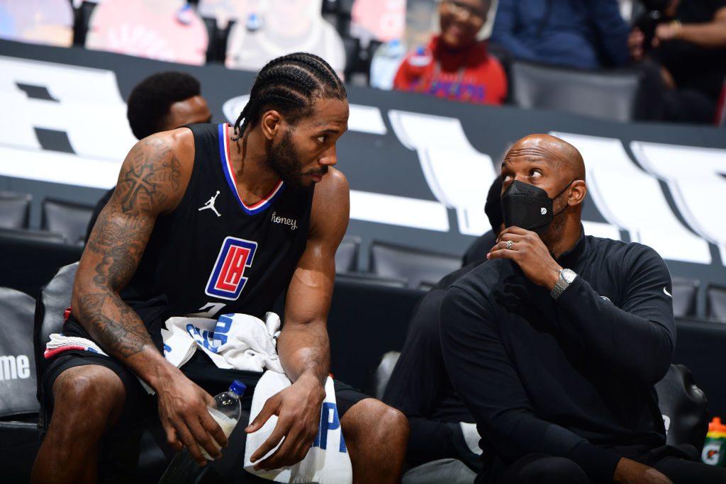 Los Clippers temen que Kawhi Leonard haya sufrido una importante lesión de rodilla