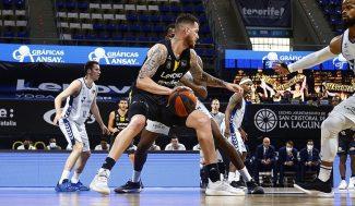 El Lenovo Tenerife se lleva el primer triunfo de cuartos ante el Hereda San Pablo Burgos