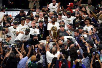 Los Bucks se coronan campeones de la NBA 50 años después. Giannis, histórica actuación