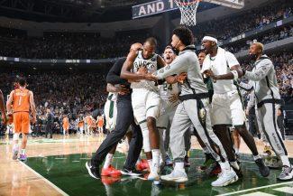 Los Bucks ponen el 2-2 en las Finales con un espectacular final (Vídeo)