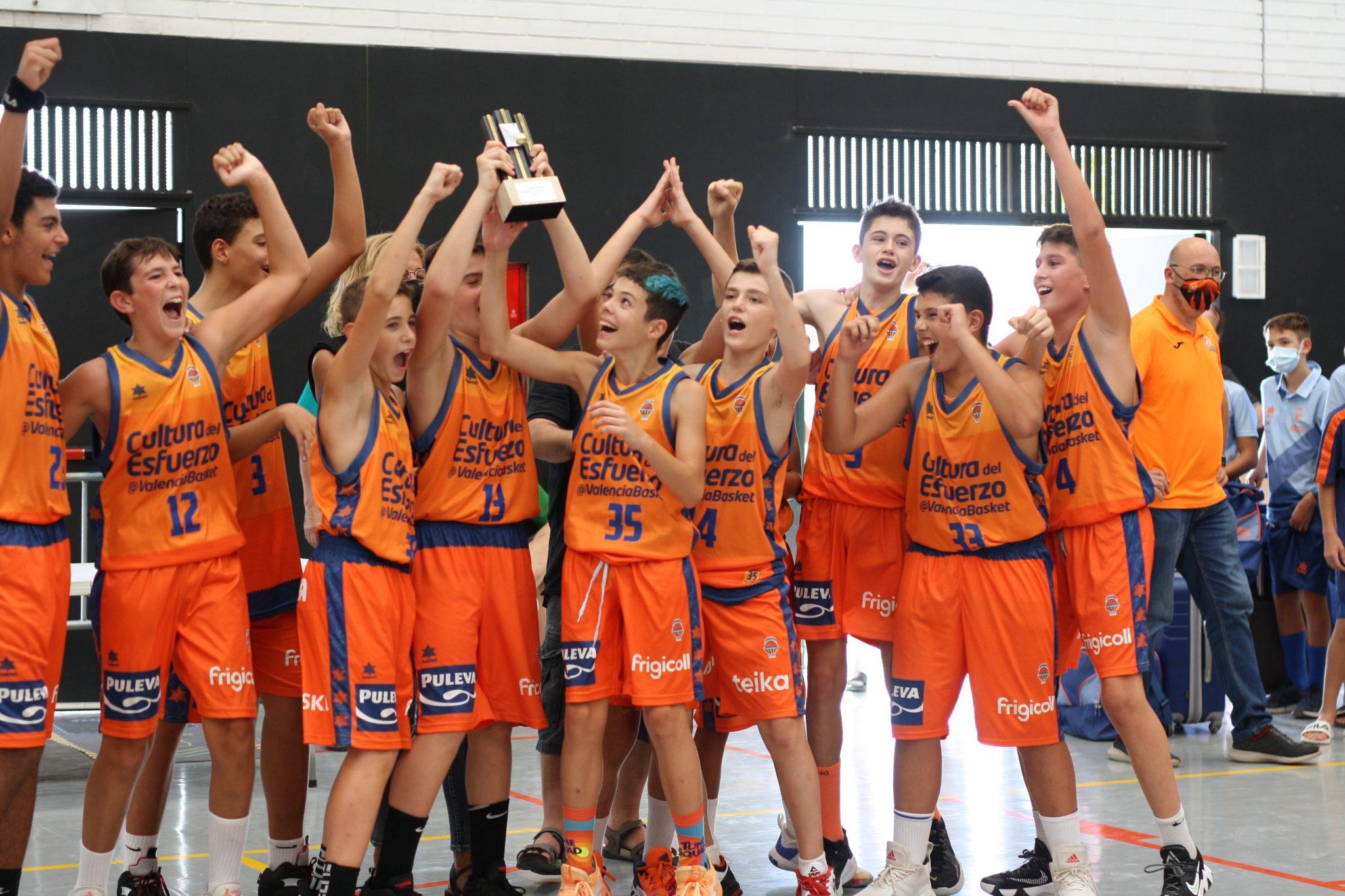 Valencia y Sant Adrià, intocables en el Torneo U13 de Vilafant