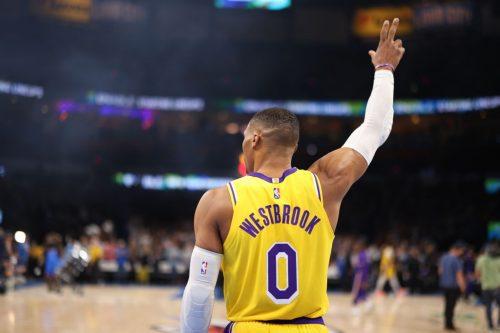 Trágica noche de Lakers: Les remontan 26 puntos y Westbrook firma un cuádruple-doble con pérdidas